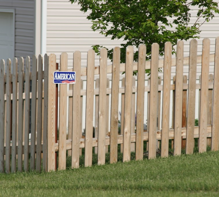 Rochester Minnesota Fence Company - Wood Fencing, 1004 4' picket