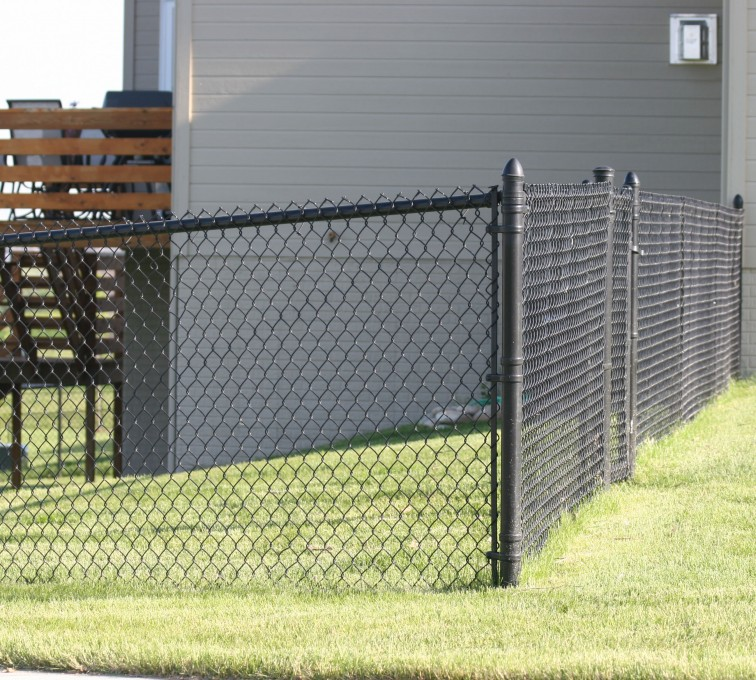 AFC Rochester - Chain Link Fencing, 101 4' black vinyl chain link 2