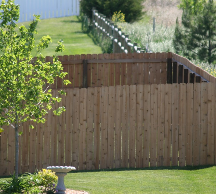 Rochester Minnesota Fence Company - Wood Fencing, 1021 6' Solid Privacy