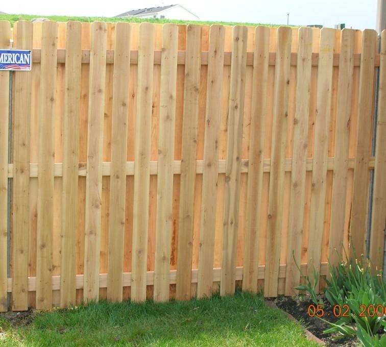 Rochester Fence Company - Wood Fencing, 1049 1x4x4 Board on board