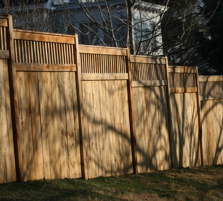 AFC Rochester - Wood Fencing, 1055 Custom Solid with Accent Top