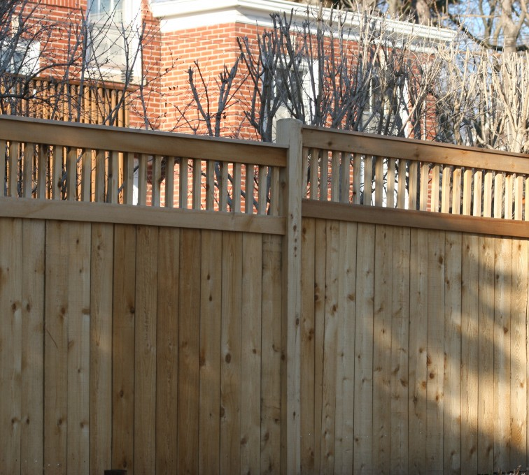 AFC Rochester - Wood Fencing, 1060 Custom Solid with Accent Top