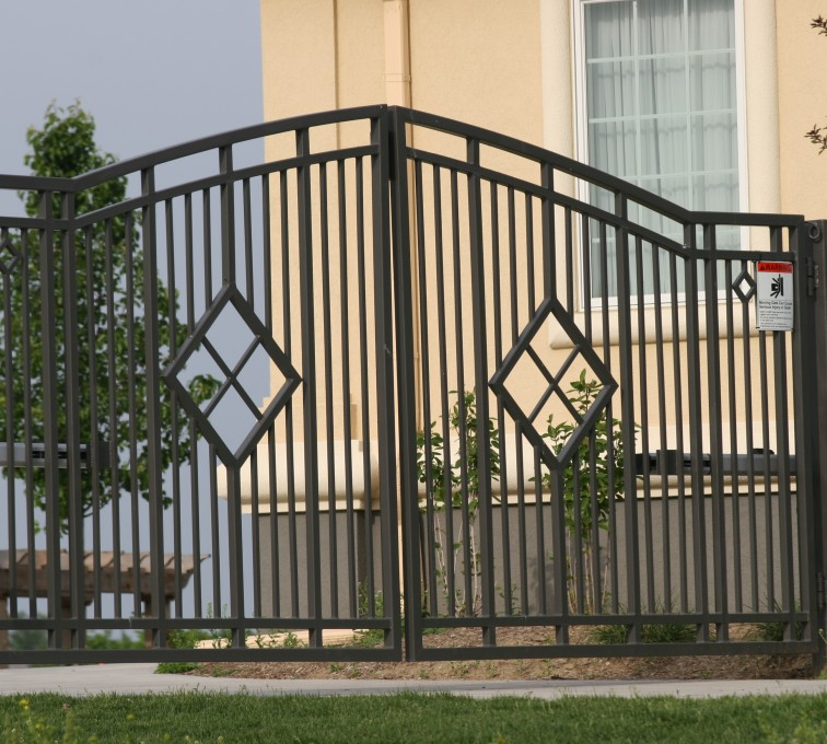 AFC Rochester - Custom Gates, 1304 Estate gate with diamonds