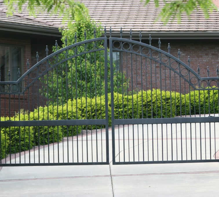 AFC Rochester - Custom Gates, 1309 Overscallop Estate gate with quad flare (1309)