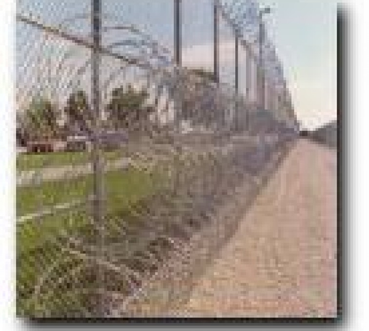 AFC Rochester - High Security Fencing, 2105 concertina wire 3 coils