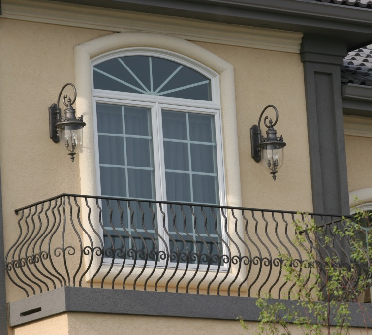 AFC Rochester - Custom Railing, 2200 Balcony handrail with pot belly pickets