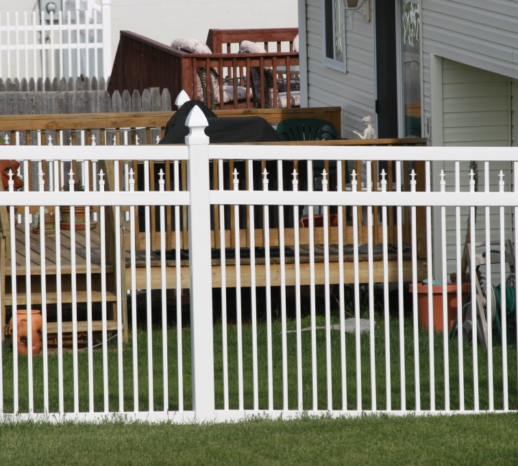 AFC Rochester - Vinyl Fencing, 4' Ornamental Picket Conquer 854