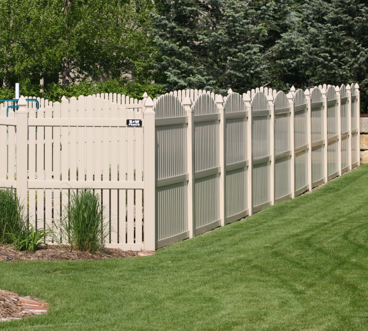 AFC Rochester - Vinyl Fencing, 6' overscallop picket tan 554