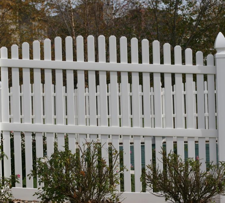 AFC Rochester - Vinyl Fencing, 560 Vinyl 6' overscallop picket 2