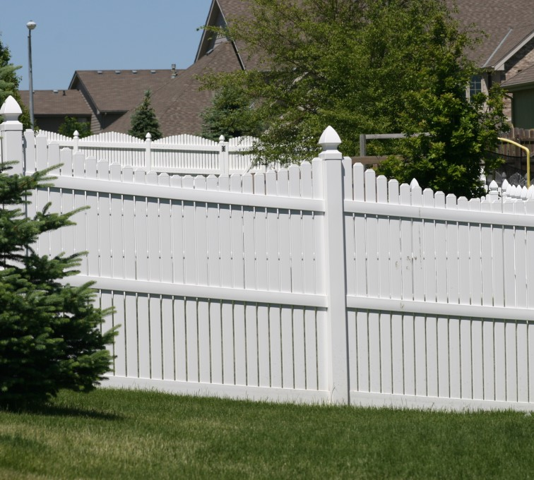 AFC Rochester - Vinyl Fencing, 563 6' Underscallop