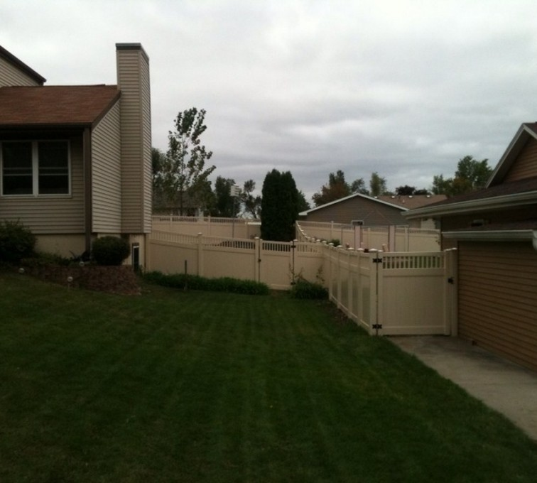 AFC Rochester - Vinyl Fencing, 6' Tan Solid PVC with Accent - AFC - IA