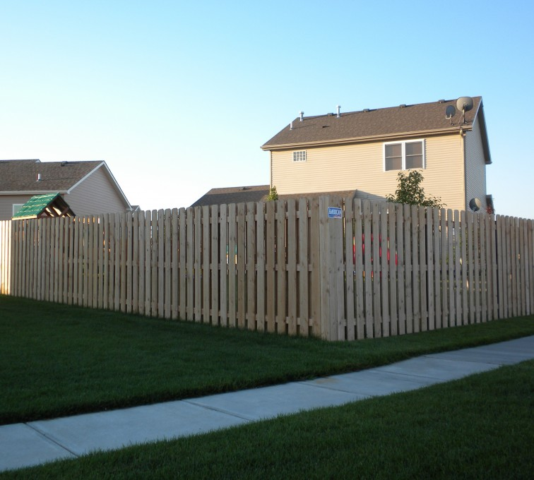 AFC Rochester - Wood Fencing, 6' Wood Board on Board