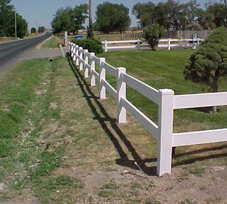 AFC Rochester - Vinyl Fencing, MVC-007S