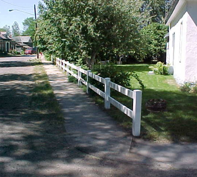 AFC Rochester - Vinyl Fencing, MVC-010S