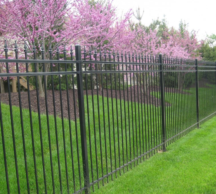 AFC Rochester - American Ornamental Fencing, Alternating Pickets with finials