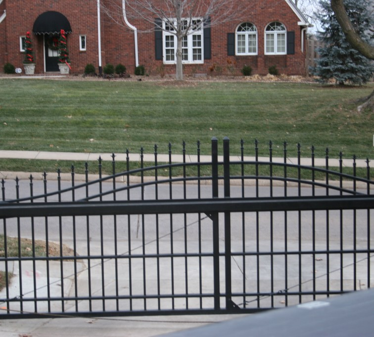 AFC Rochester - Custom Gates, Overscallop Cantilever Slide Gate