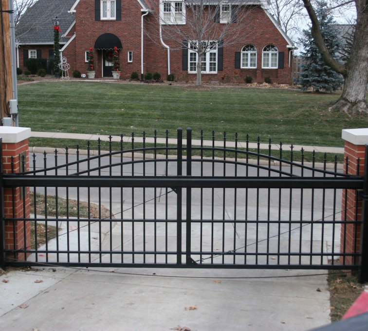 AFC Rochester - Custom Gates, Overscallop Cantilever Slide Gate Residential