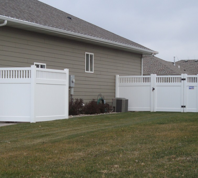 AFC Rochester - Vinyl Fencing, Privacy with Picket Accent