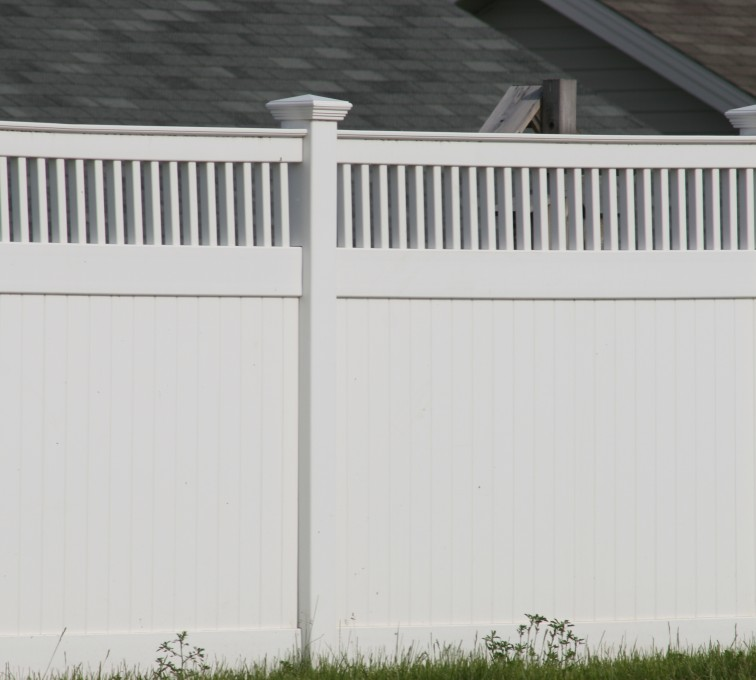 AFC Rochester - Vinyl Fencing, Privacy with Picket Accent 700