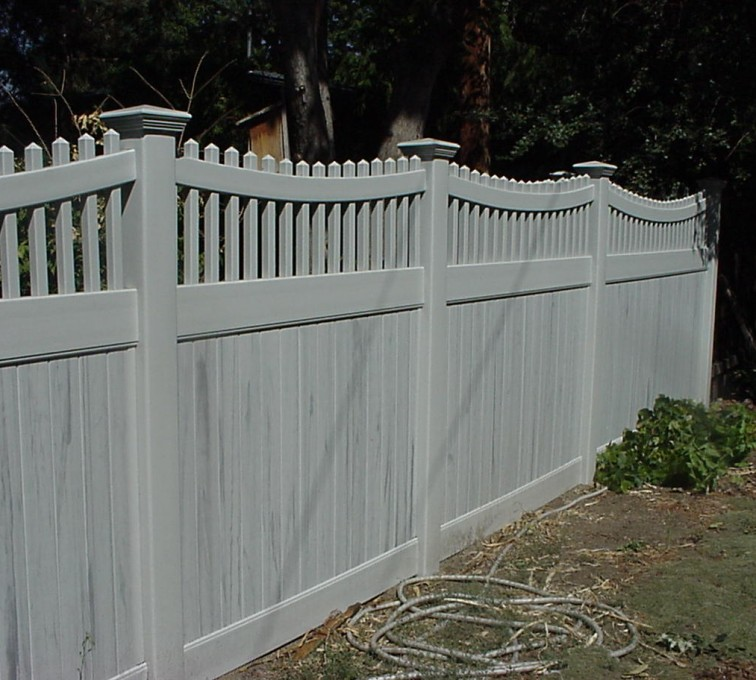 AFC Rochester - Vinyl Fencing, Privacy with Sloped Rail Picket Accent 703