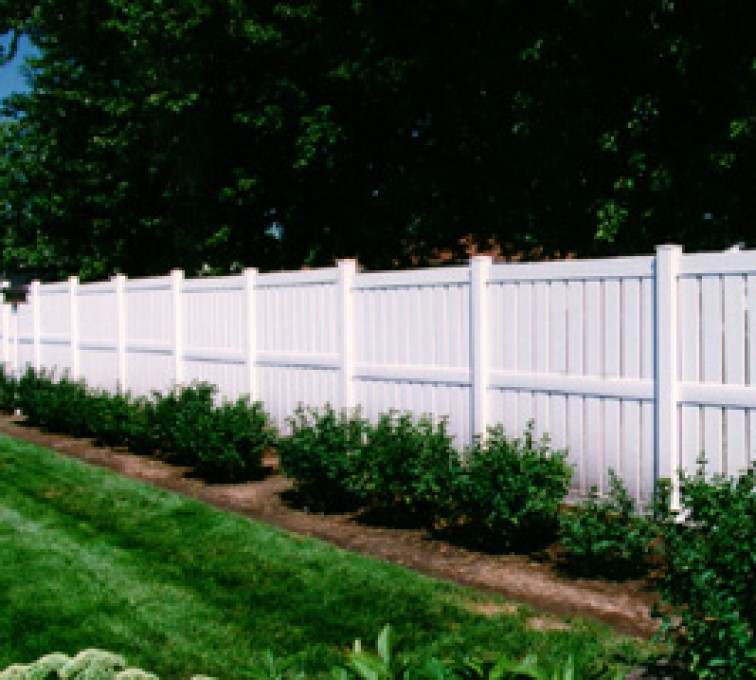 AFC Rochester - Vinyl Fencing, Semi Privacy (826)