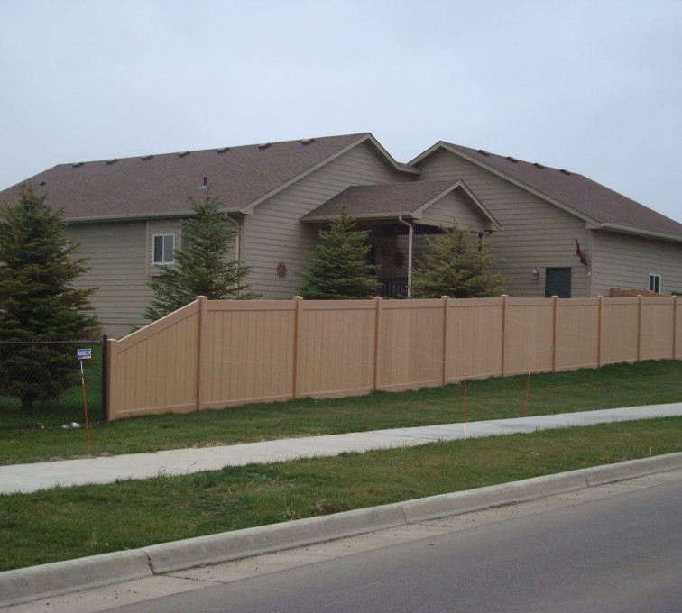 AFC Rochester - Vinyl Fencing, Solid Privacy - Woodland Select (2)