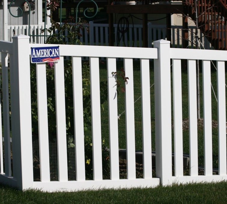 AFC Rochester - Vinyl Fencing, 4' closed rail picket 585
