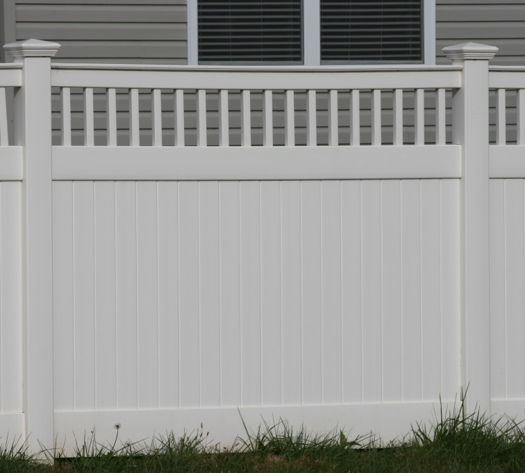 AFC Rochester - Vinyl Fencing,Vinyl 6' private with picket accent 707