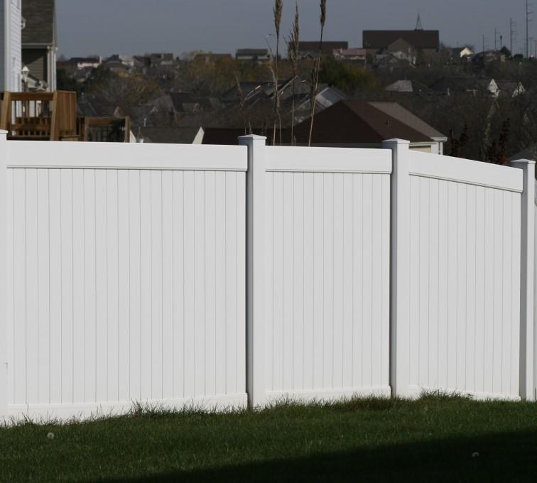 AFC Rochester - Vinyl Fencing, Vinyl 6' solid (619)