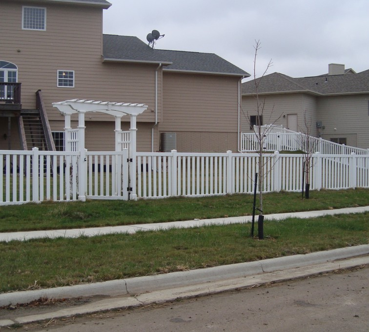 AFC Rochester - Vinyl Fencing, Arbor and Closed Picket AFC, SD