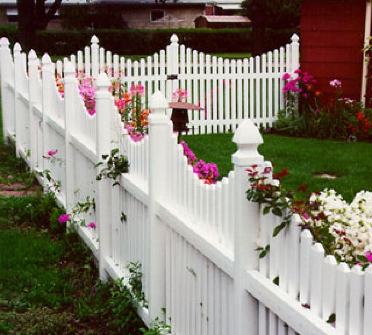 AFC Rochester - Vinyl Fencing, 564 Scalloped Picket