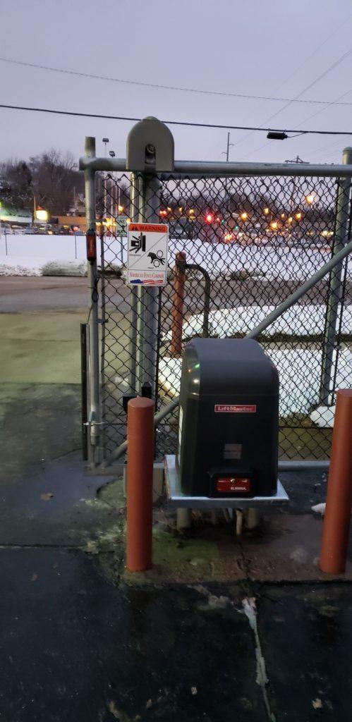 Cantilever slide gate operator